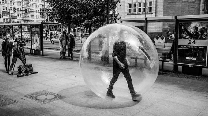 La Burbuja Nuestra De Cada Día - JorgeMelendez.com.mx