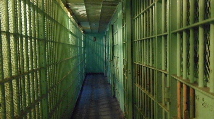 La Cárcel De La Clase Media - JorgeMelendez.com.mx